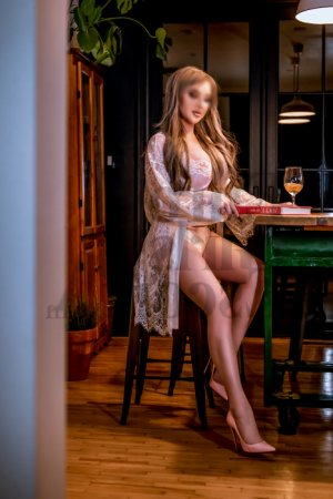 Dunja tantra massage in Godfrey IL and escort girl