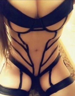 Berengere happy ending massage in Godfrey, escorts