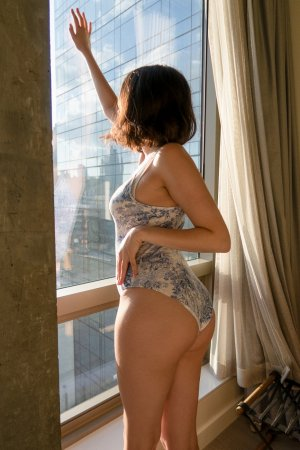 Chloelia tantra massage in Carolina